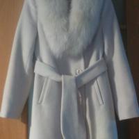 Пальто зимнее с натуральным песцом