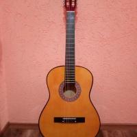 Гитара классическая, новая